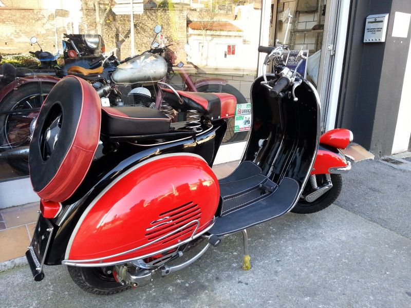 vespa type n 125 cc style faro basso atelier sur toulon l 39 atelier du 2 roues. Black Bedroom Furniture Sets. Home Design Ideas